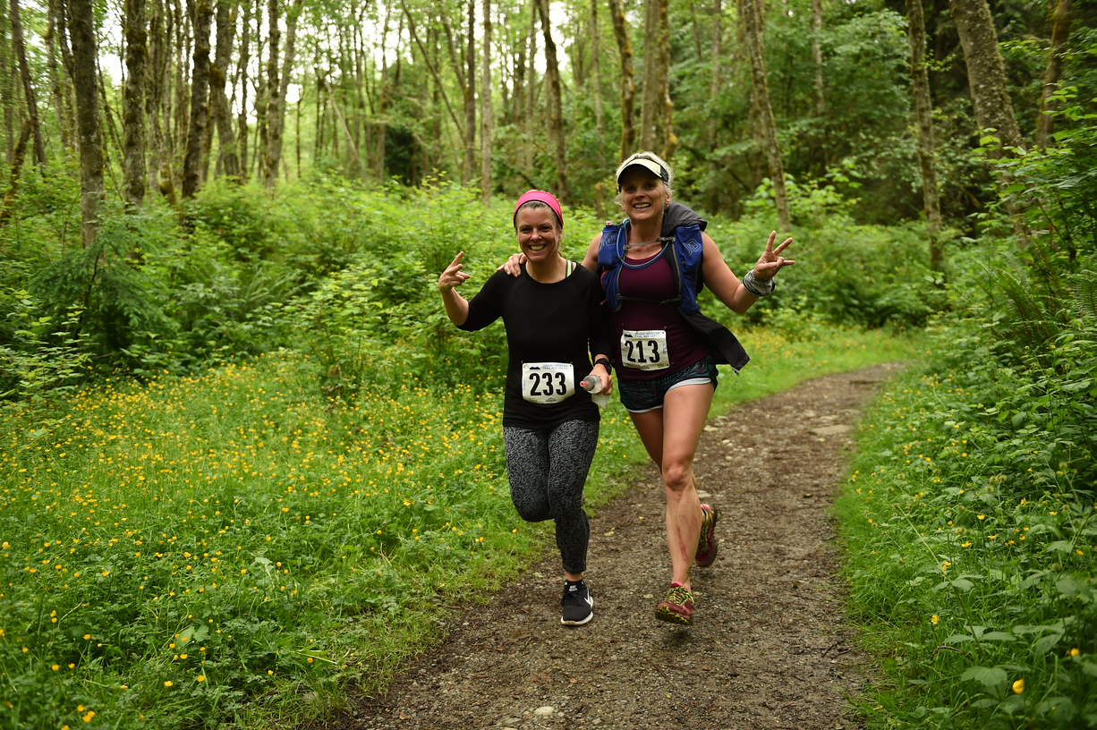 Cougar Mtn promo - two ladies running