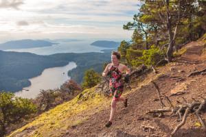 Moran - lady on cliff running north (Pro)